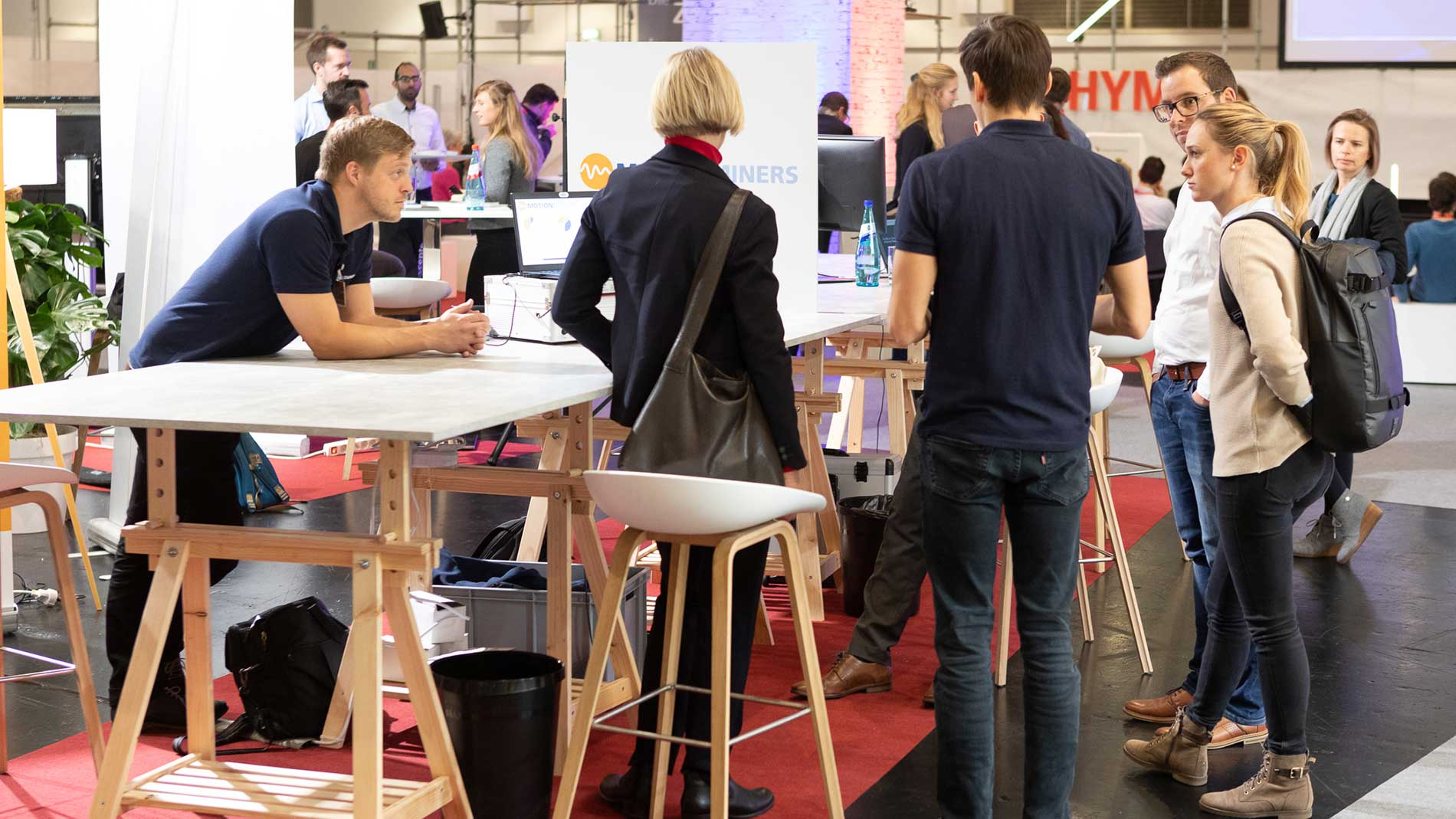 Start-up Stand Hypermotion